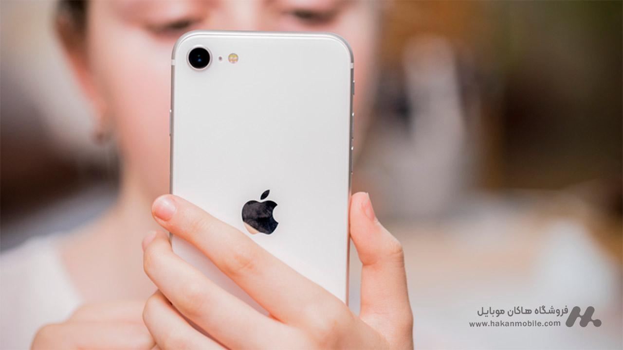 دوربین گوشی موبایل آیفون اس ای 2020